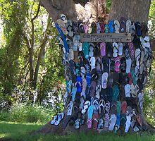 COMMUNITY THONG TREE by myraj