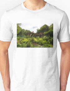 English Cottage Gardens - Summer Green in Watercolor Unisex T-Shirt