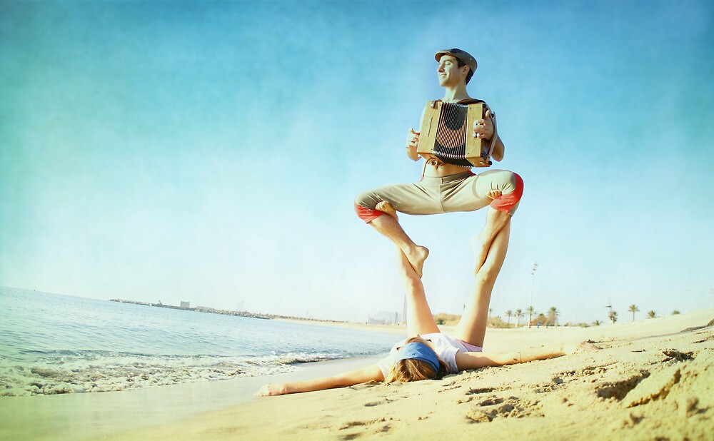 Acroyoga and music at the beach by Wari Om  Yoga Photography
