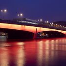 London Bridge at dawn by chaucheong