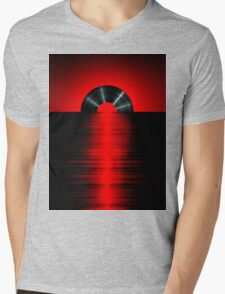 Vinyl sunset red Mens V-Neck T-Shirt