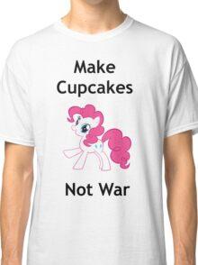 Make cupcakes not war Classic T-Shirt