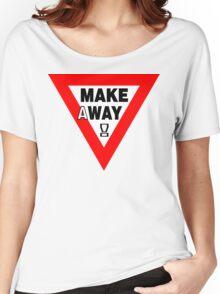 MAKEaWAY! Women's Relaxed Fit T-Shirt