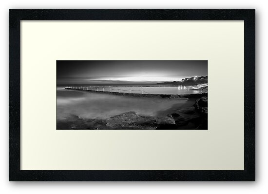 Shelly Beach Tidal Pool - Cronulla by Mark  Lucey