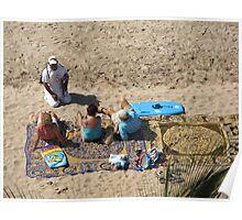 A Kind of Magic Carpet Ride: Buying Necklets at the Beach - Una Forma de Volar en el Tapete Magico: Comprar Collares Poster