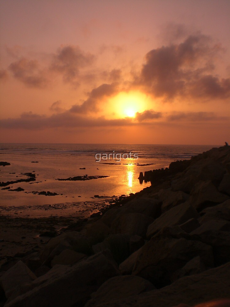 Sunset in Assilah by garigots