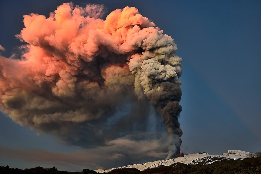 A spectacular eruption by Andrea Rapisarda