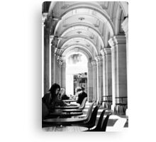 Well read ... Canvas Print