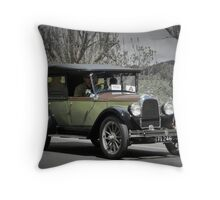 Willys Overland Whippet 1926 Throw Pillow