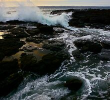 Southern Sea Swells  by Shaynelee