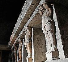 Statues in Pompeii male baths by buttonpresser
