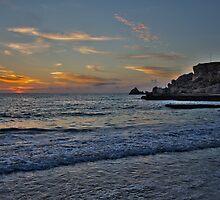 Dawn at Golden Bay by mariocassar