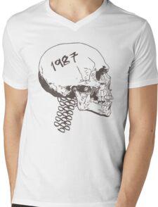 Vintage Skull Mens V-Neck T-Shirt