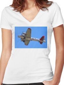 'Yankee Lady' > Women's Fitted V-Neck T-Shirt