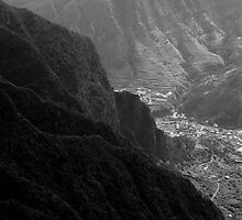 Valley by Walter Quirtmair