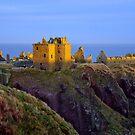 Sun Setting on Dunnottar Castle by GillBell