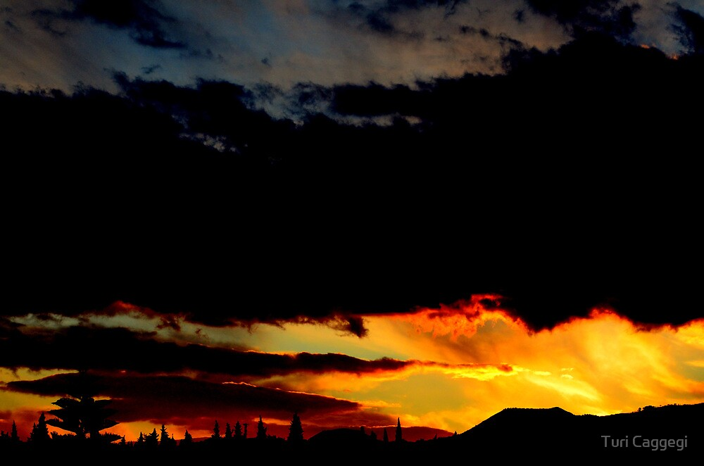 Black sunset. by Turi Caggegi
