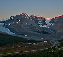 Icefields Parkway by Peter Luxem