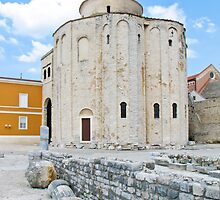 monument and ruins in Zadar by Anne Scantlebury