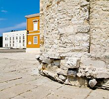 ancient stone monuments in Zadar by Anne Scantlebury