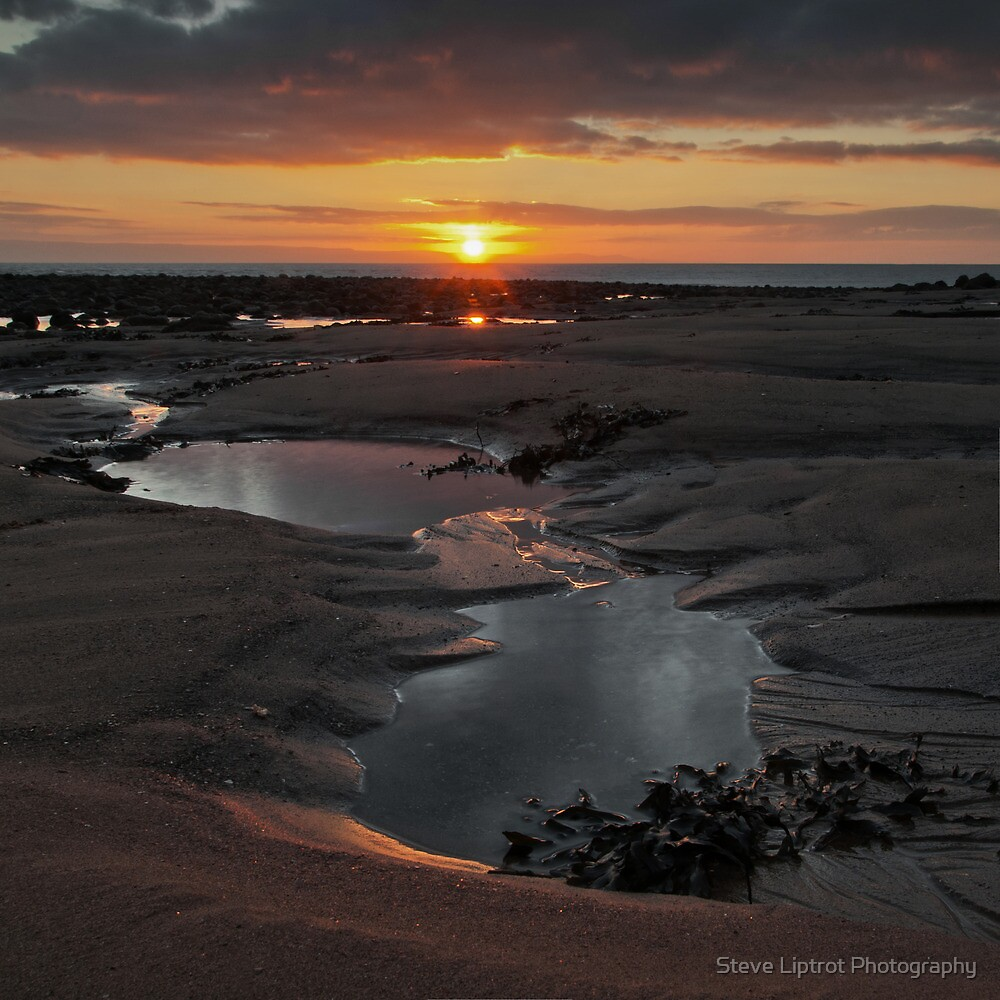 Llantwit Major Beach by Steve  Liptrot