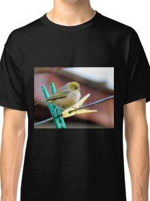 The Pegs & Eye - Silvereye - NZ Classic T-Shirt