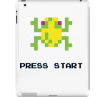 FROGGER RETRO PRESS START ARCADE TSHIRT iPad Case/Skin