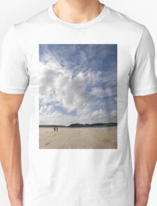 Walking Keadue Beach Donegal Ireland T-Shirt
