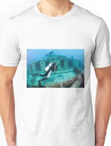 Divers at a shipwreck at Ras Mohammed National Park Unisex T-Shirt