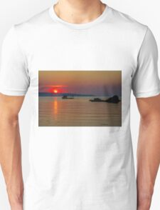When the sun goes down Unisex T-Shirt