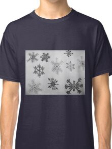 Black and white snowflakes  Classic T-Shirt