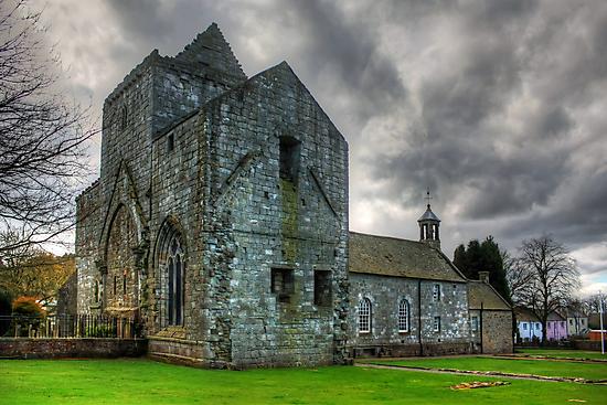 Torphichen Parish Kirk by Tom Gomez