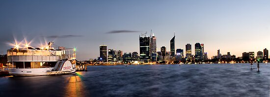 Dawn - The View From South Perth by Kymie