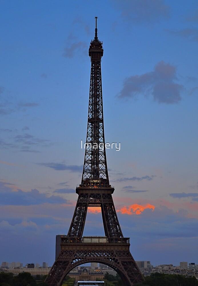 La Tour Eiffel  by Imagery