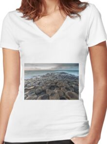 Giants Causeway 2 Women's Fitted V-Neck T-Shirt