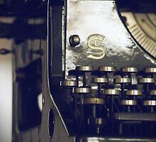 Typewriter by aandm-photo