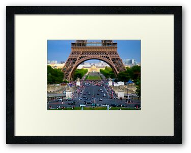 Eiffel Tower - Tilt-Shift by CalumCJL