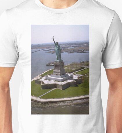 Statue of Liberty Photograph - 7 Unisex T-Shirt