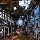 Vertorama - Damaged Generator-Hall by MarkusWill