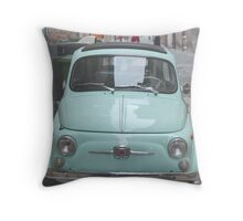 Fiat 500 Oldtimer. Throw Pillow