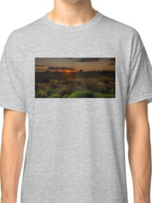 Glass House Mts Sunset Classic T-Shirt