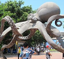 Giant Octopus © by Ethna Gillespie