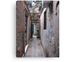 Calle veneziana. Canvas Print