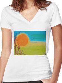 Sun Women's Fitted V-Neck T-Shirt
