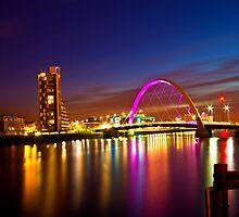 Glasgow by night. Squinty bridge over the Clyde. by Birgit Van den Broeck