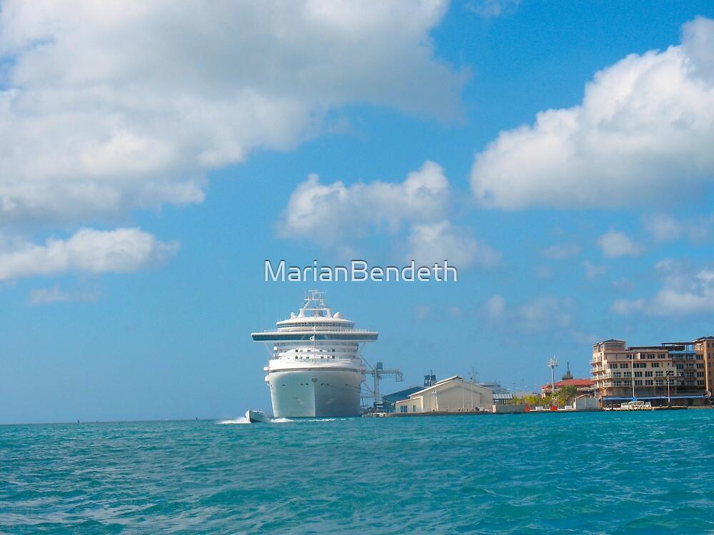 Sea excursion by MarianBendeth