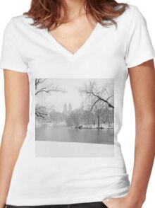 Last Snow Women's Fitted V-Neck T-Shirt