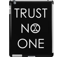 Trust No One (1) iPad Case/Skin