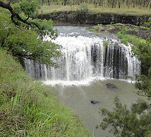 Millstream Falls by STHogan