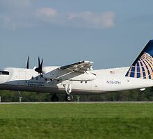 N364PH Continental Connection Dash 8-202 by Henry Plumley